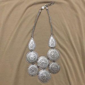 Stella and dot Medina Bib necklace